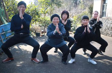 """""""Kujdes"""" nga 94-vjeçarja në Kinë që bën Kung Fu"""