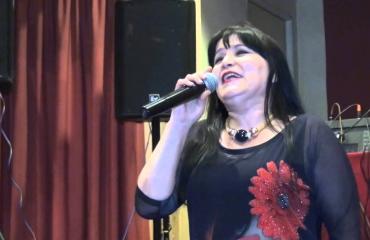 Kozeta Shabani: E fillova me një këngë kineze para Çu En Lait