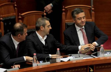 Rama shkarkon 4 ministra: Jo për Metën, as për Bashën