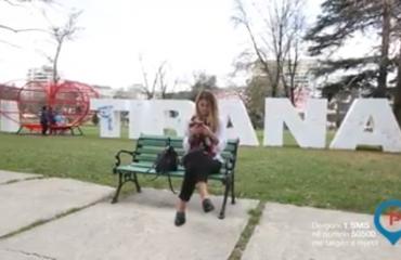 Ja si mund të paguash parkimin në Tiranë përmes celularit (Video)