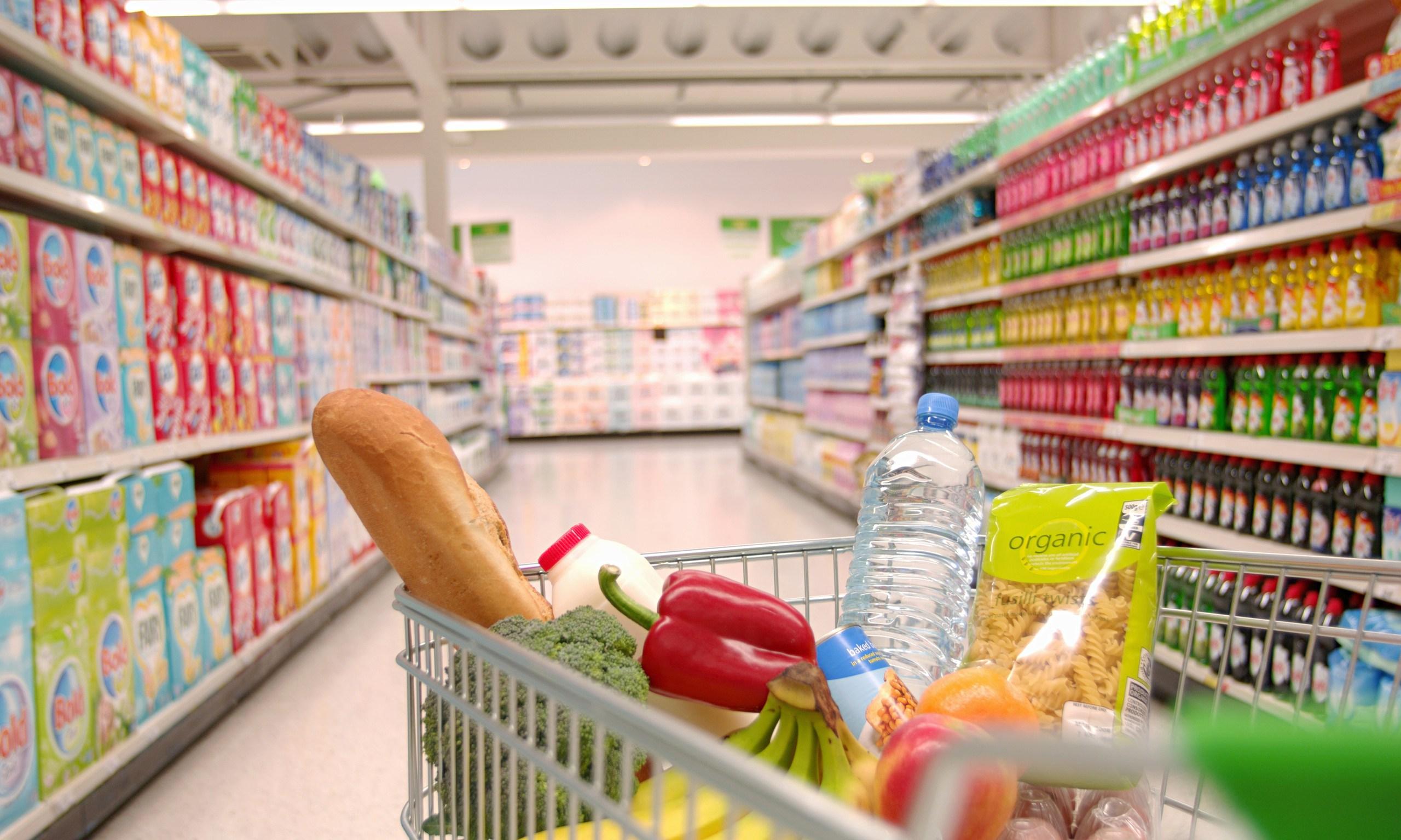 Konsumatorët më optimistë, parashikojnë ditë më të mira për ekonominë personale