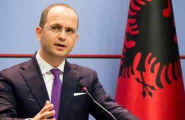 Ditmir Bushati: Gjinkallat e dëshpëruara të 25 Qershorit, klithma për kthimin e vizave
