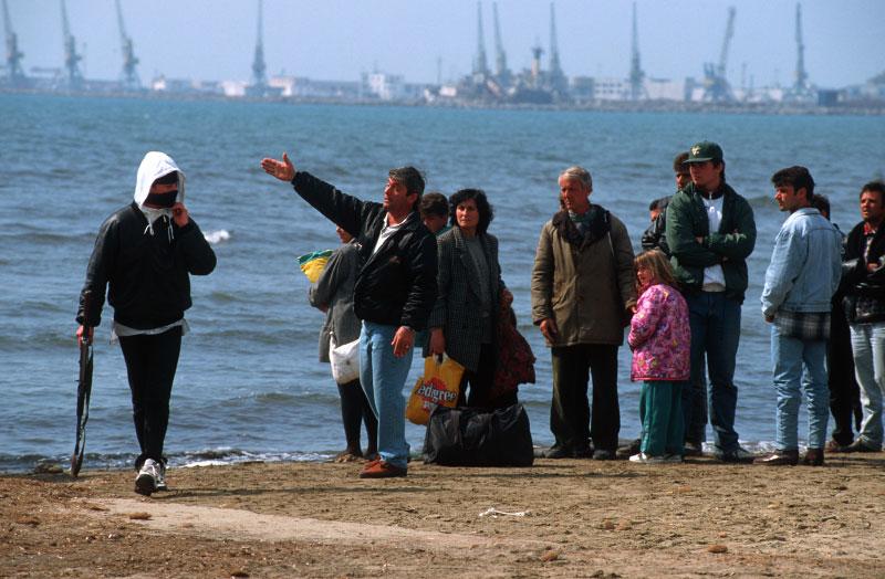 1997, kur erdhën dy herë luftanijet e huaja në Durrës