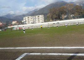 Përjashtohet përjetësisht futbollisti i Domosdovës, Vllaznia një ndeshje pa tifozë
