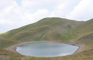 Liqeni Akullnajor i Gramozit (Gistova), një destinacion për turizmin e maleve