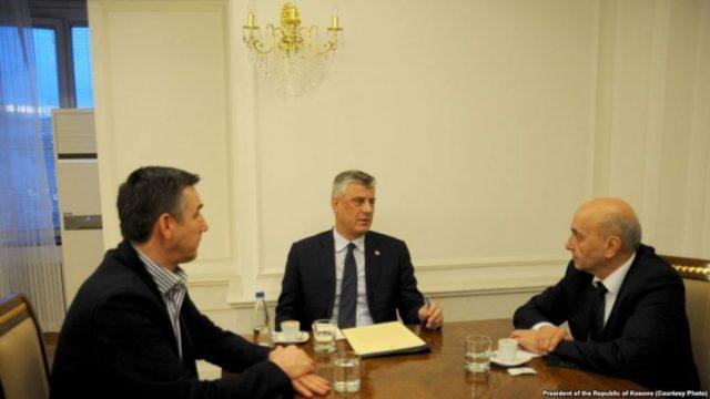 Konfirmohen kërcënimet ndaj Mustafës, Thaçit dhe liderëve opozitarë