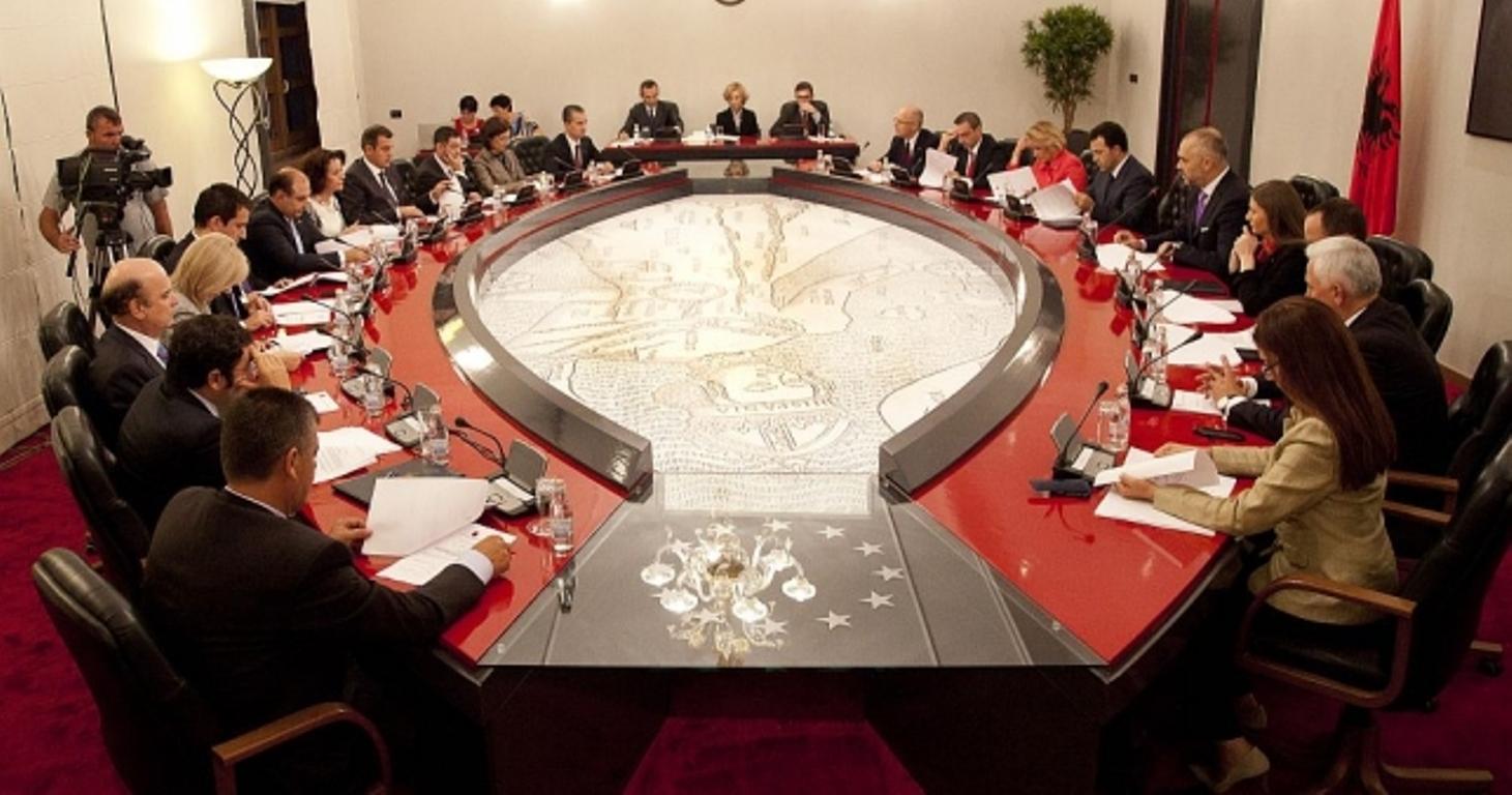 Zgjedhjet lokale, Këshilli i Ministrave liron nga detyra prefektët e Elbasanit dhe Shkodrës