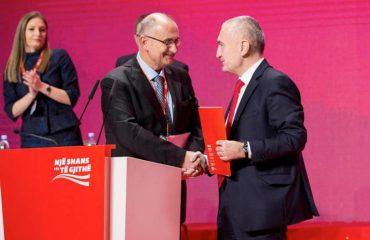 """""""Sakrifikuam kryetarin për zgjidhjen e krizës"""", Meta: Vasili të bëhet njëshi i qeverisë"""