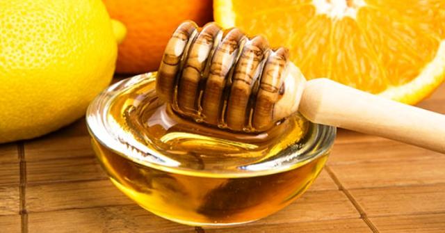 Maskë për fytyrën me mjaltë dhe limon