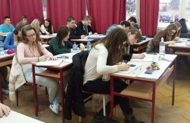 Klasat e pesta provim në 23 maj, ja përmbajtja e testit