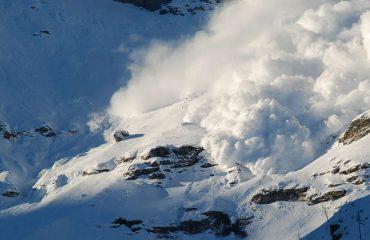 Panik në 3.800 metra, orteku për pak fundos resortin e skive (Video)