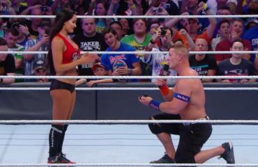 Mbreti i wrestling, propozim për martesë në ring (VIDEO)