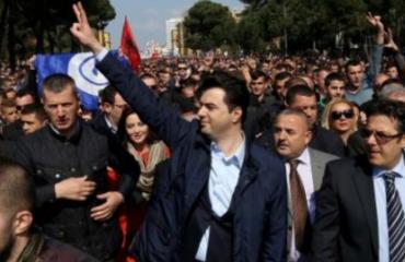 Ekspertët e huaj do të asistojnë në monitorimin e protestës së opozitës
