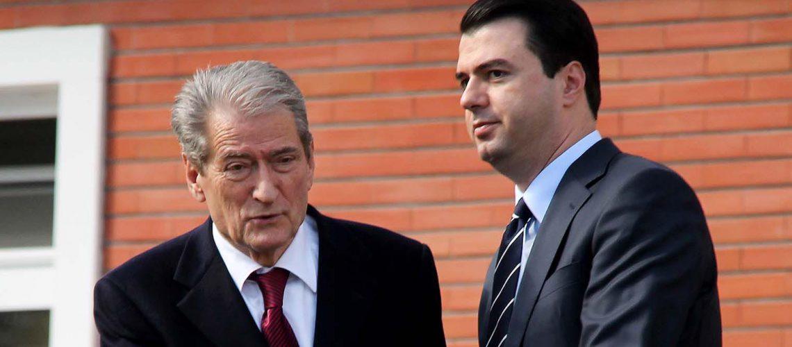 Orët e negociatave, Basha takohet me Berishën në selinë e PD