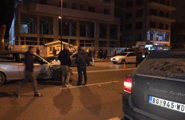 Aksidenti në Vlorë, mjeti me shpejtësi të madhe merr para edhe 4 mjete të tjera