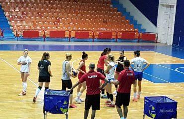 Alketa Doçi: Volejbollistet shqiptare, mirë të dalin jashtë dhe të hapin horizontet