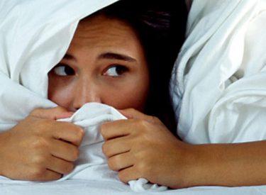 Fobitë më të çuditshme, të kesh frikë nga dushi, balonat, djathi apo... lumturia