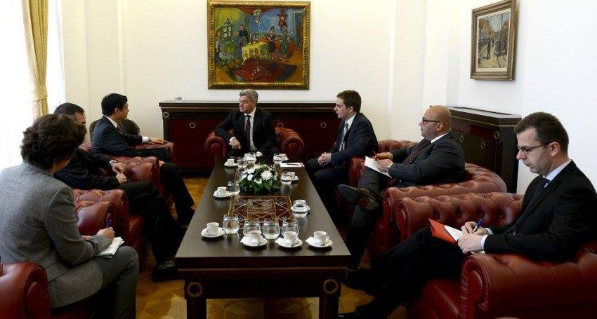 """Maqedoni, Ivanov pranon ta mandatojë Zaevin, por me një """"kusht"""""""