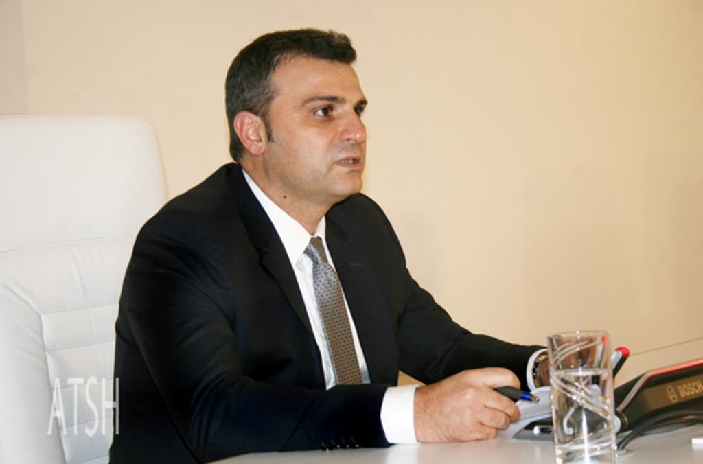 Guvernatori i BSH replikon me kryetarin e opozitës për financimin e PPP-ve nga bankat