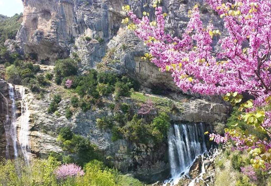 Ujëvara e Sotirës, një mrekulli  natyrore që pret çdo ditë vizitorë të ndryshëm