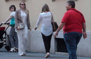 Barbara Berlusconi, sharm dhe elegancë në Milano