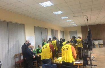 Përplasje në Kavajë, ndërpritet numërimi në KZAZ nr.42