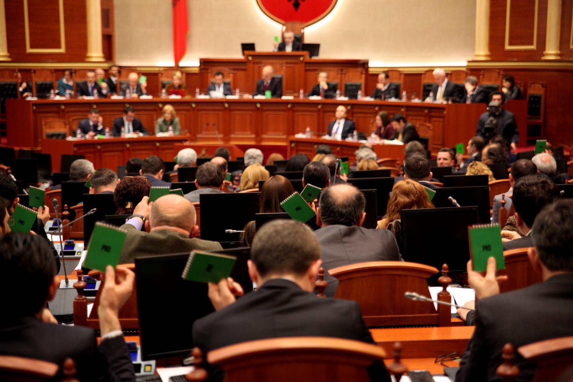 """Kuvendi miraton qeverinë """"Rama 2"""" dhe programin e saj"""