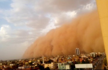 """Sudan, qielli bëhet i kuq. """"Habbob"""" i befason të gjithë (Video)"""