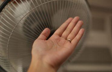 Djersitja e duarve, shenjë paralajmëruese për disa sëmundje