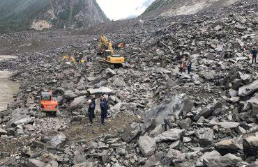 Mbi 140 viktima nga rrëshqitjet e tokës në Kinë