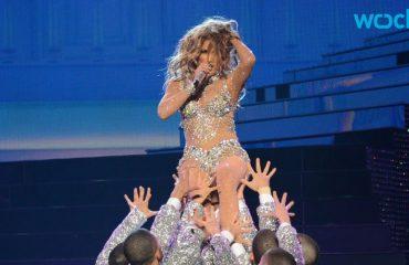 J.Lo bllokohet, por nuk e braktis spektaklin (Video)