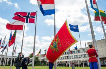 Flamuri i Malit të Zi ngrihet në selinë e NATO-s