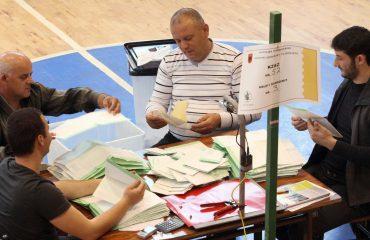 KQZ: Ndërprerja e numërimit të votave, të rinisë menjëherë