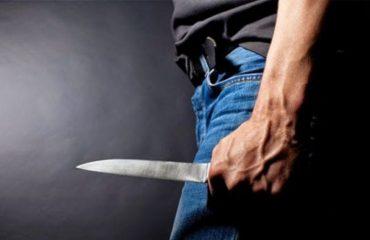 Tentoi të vrasë me thikë një 25 vjeçar, arrestohet i riu në Durrës