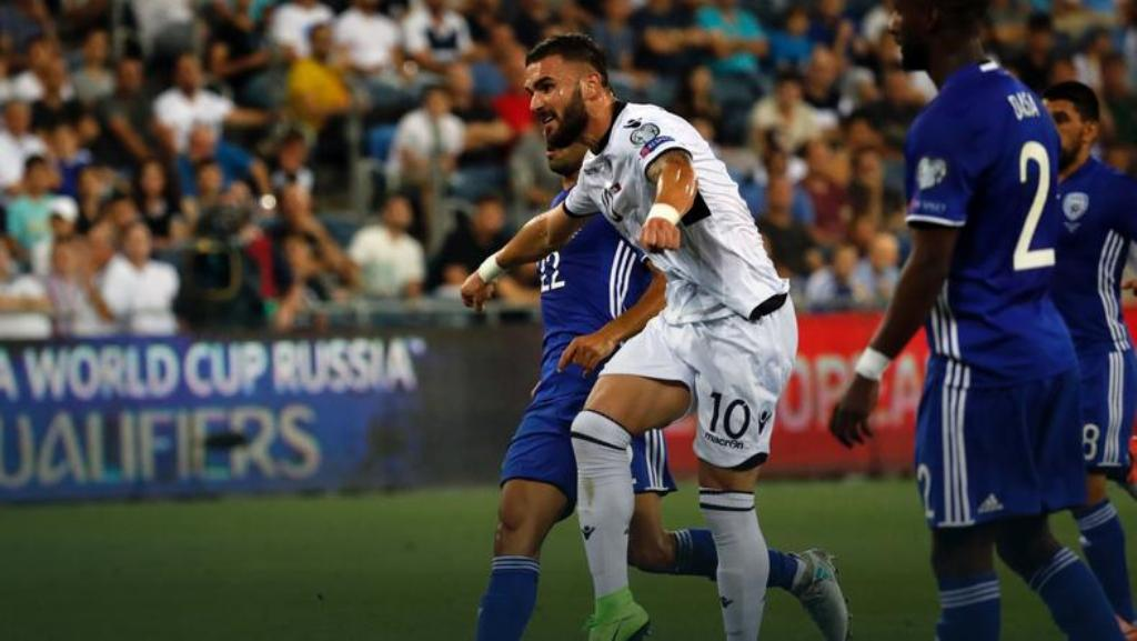 Zyrtare / Armando Sadiku firmos për tre sezone me Legia Varshavë