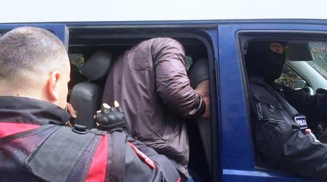 Ushtroi dhunë ndaj punonjëses dhe policëve, dërgohet me pranga në qeli biznesmeni