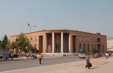 KE: Euroja e dobësuar në Shqipëri, bankës qendrore iu desh të ndërhyjë