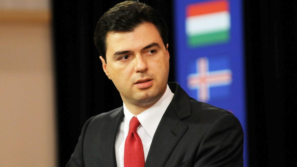 """""""ANTENA JASHTË FAMILJES"""", Lulëzim Basha: Ja përse votova Gramoz Ruçin, për Kreun e Kuvendit"""