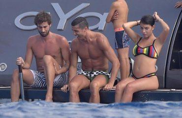 """""""Diell, plazh dhe një bark i fryrë"""", nuk ka më dyshime për të dashurën e Ronaldos"""