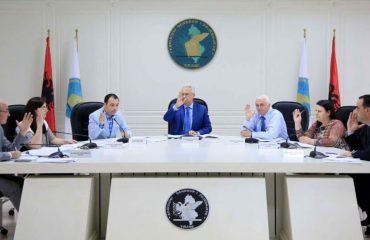 KQZ zyrtarizon mandatet në 10 qarqe, Tirana e Berati në shqyrtim