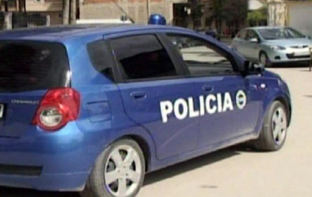 """Arrestohen avokati dhe polici """"sekserë"""" në Durrës, merrnin 2 mijë euro për favore në gjyqe"""