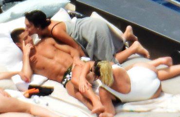 Georgina Rodrigues, shtatzëne dhe me bikini në jahtin e Ronaldos
