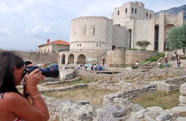 TURIZMI/ 21 milionë të huaj kanë vizituar Shqipërinë gjatë viteve 2013-2017