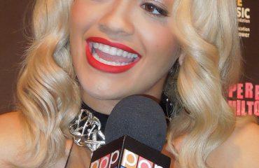 Rita Ora shfaq probleme me shëndetin, publikon foto pas operacionit