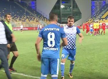 Humbi penalltinë në derbin e Bukureshtit, sulmuesi rrihet nga shokët e ekipit
