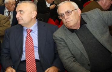 """""""ANTENA JASHTË FAMILJES"""", Spartak Braho i shkruan Metës: Like, po të paralajmëroj që të ruhesh...!"""