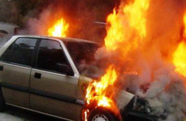 Më parë e kishin rrahur, tani i djegin edhe makinën shefit të Triportit