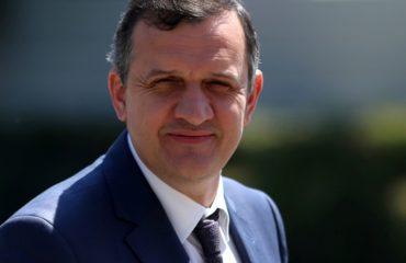 """Reportazhi italian për Bulqizën, deputeti Beqaj i del """"në krah"""" Ramës"""