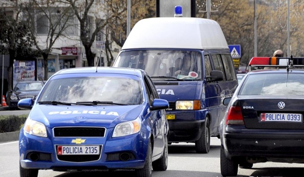 Atentati i djeshëm në Lushnje, policia identifikon autorët e vrasjes së dy të rinjve