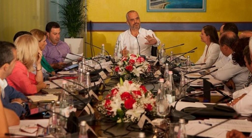 Rama mbledh qeverinë, diskutohet struktura e re e institucioneve